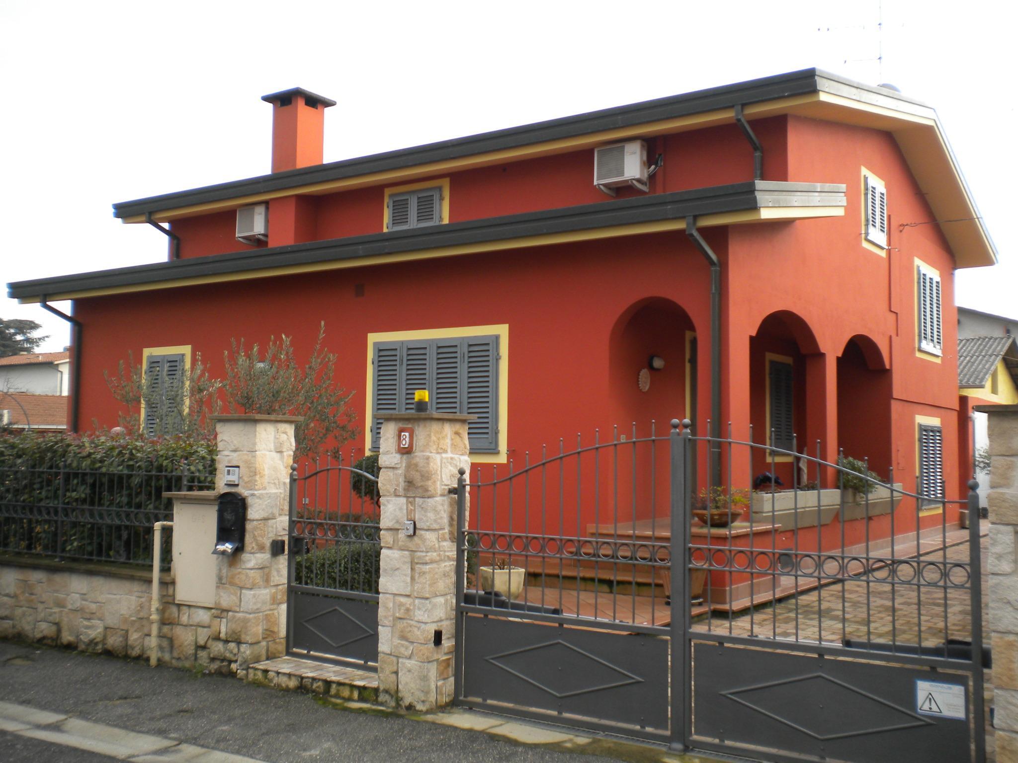 Casa Indipendente vendita PONTE BUGGIANESE (PT) - 99 LOCALI - 250 MQ