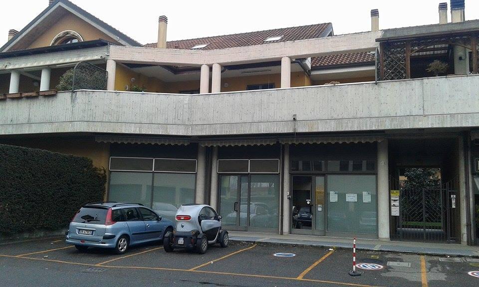 Casa Indipendente vendita BAREGGIO (MI) - 99 LOCALI - 200 MQ