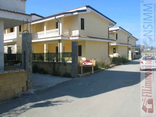 Appartamento vendita SELLIA MARINA (CZ) - 99 LOCALI - 240 MQ