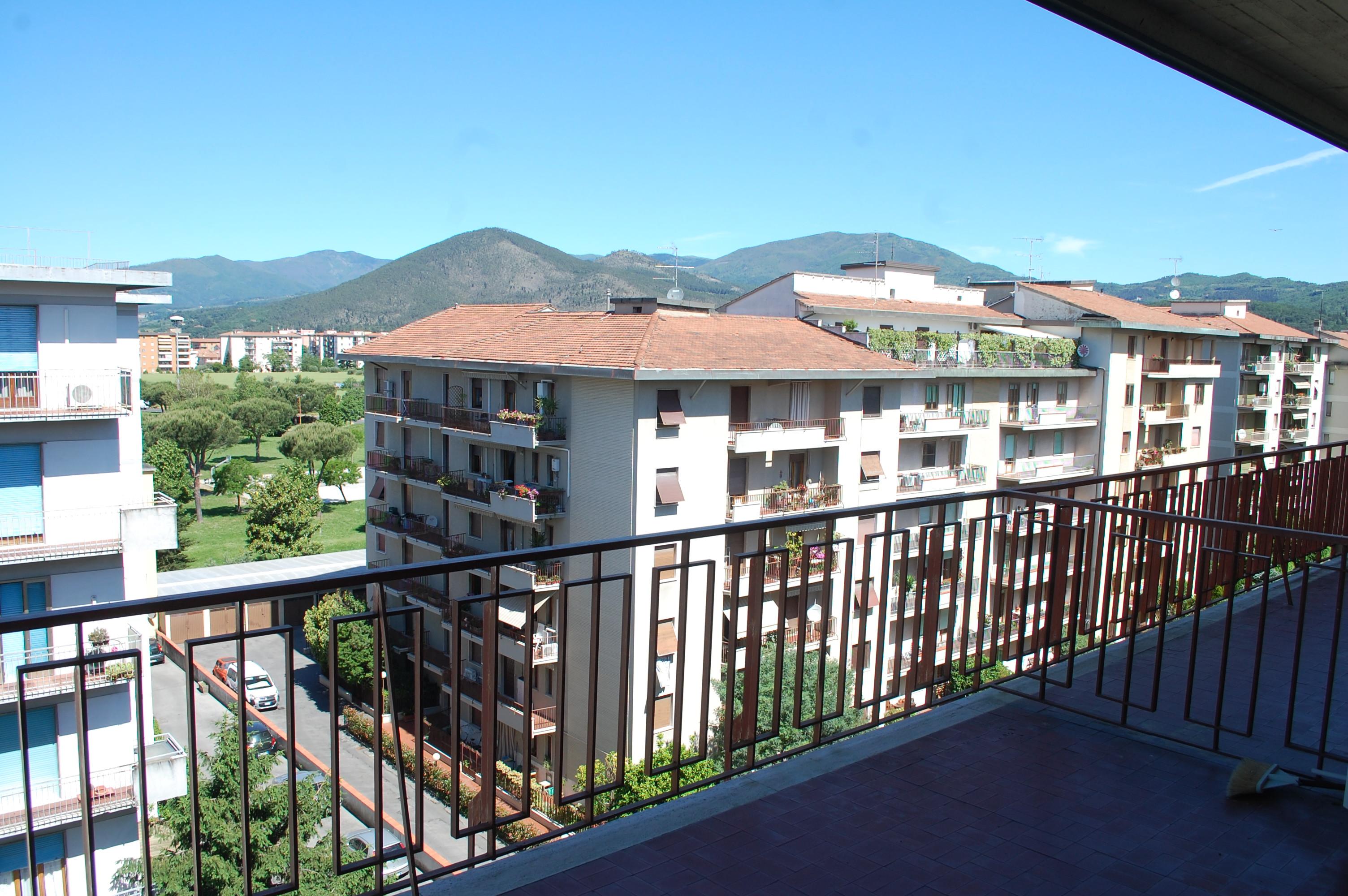 Appartamento vendita PRATO (PO) - 99 LOCALI - 115 MQ