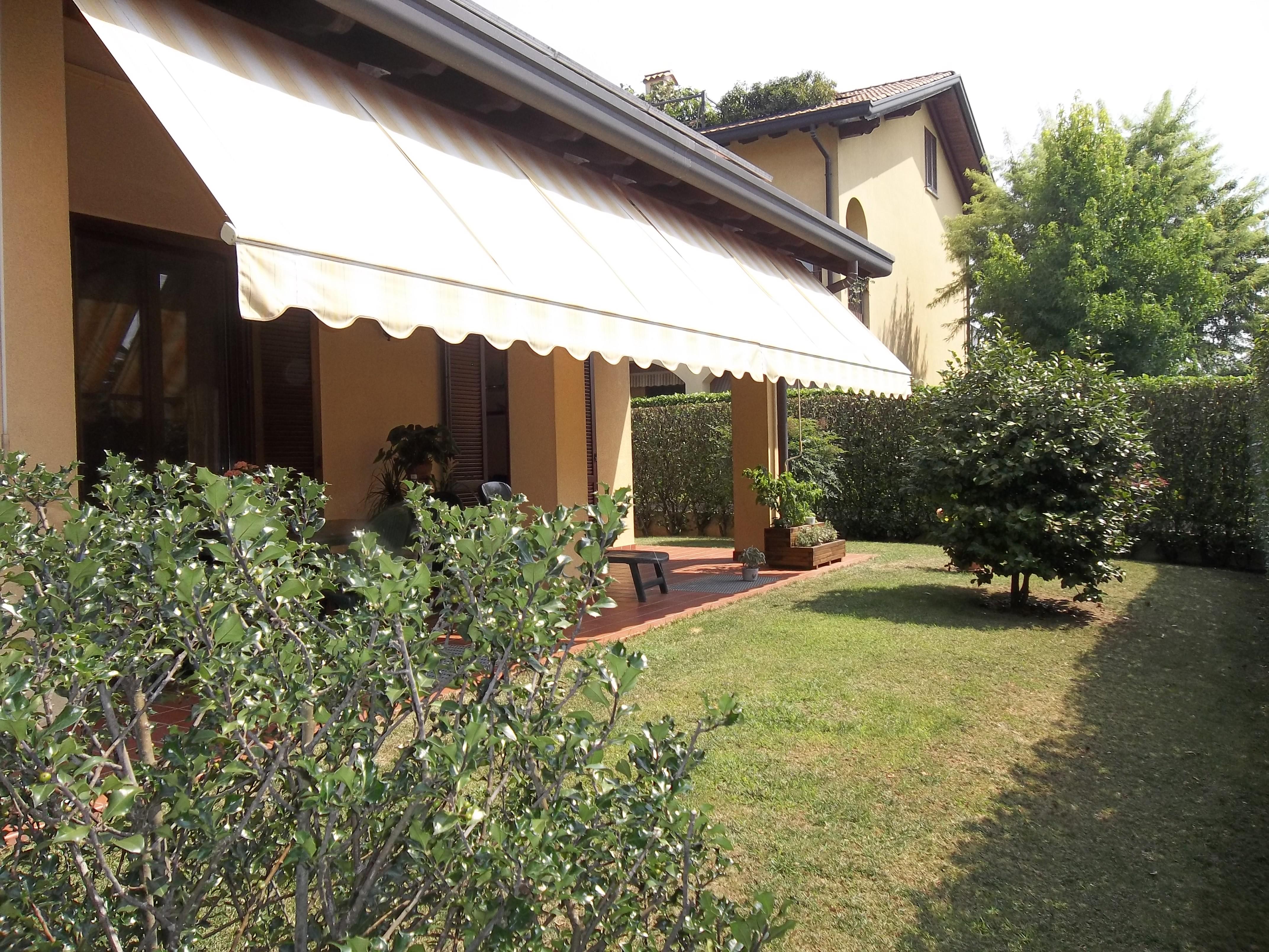 Appartamento vendita CERMENATE (CO) - 99 LOCALI - 240 MQ