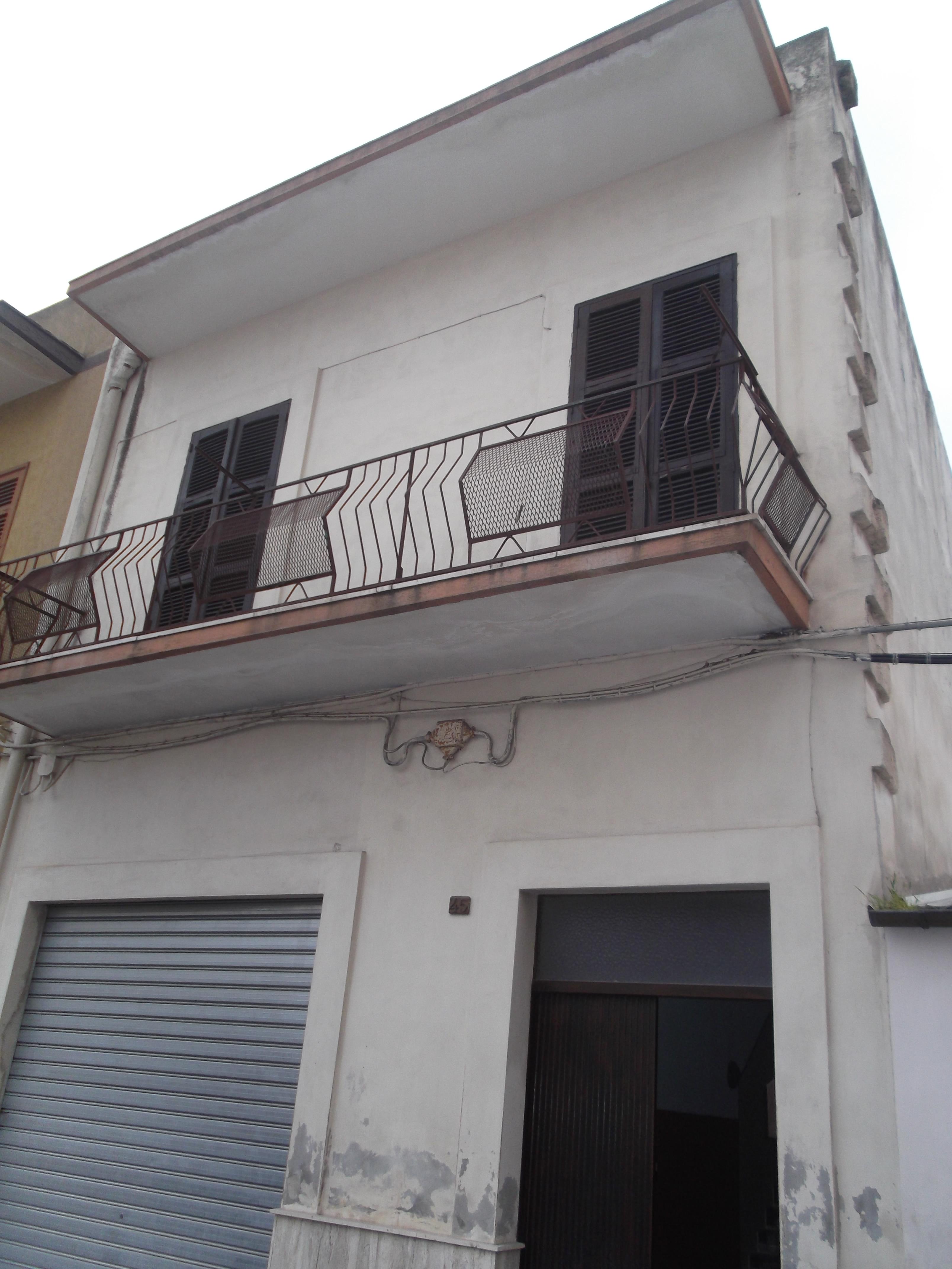 vendita appartamento taranto   90000 euro  1 locali  79 mq